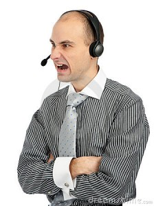 operador-enojado-del-teléfono-17039289
