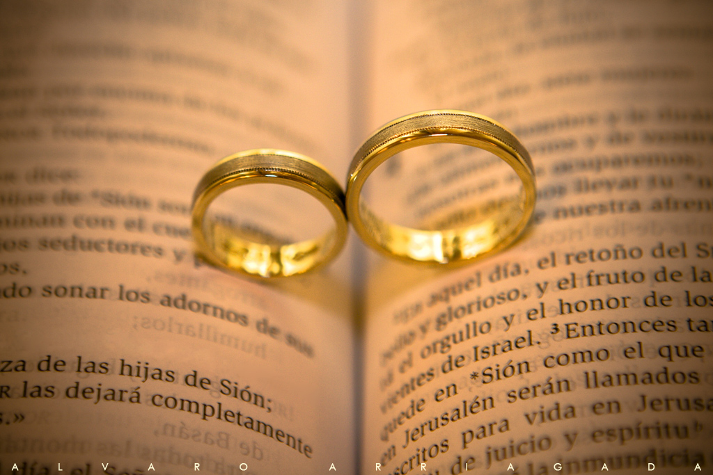 Matrimonio Civil Biblia : Busco novia para trabajar